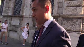 Salvini in auto e Di Maio a piedi: così i vicepremier lasciano il Quirinale dopo le consultazioni