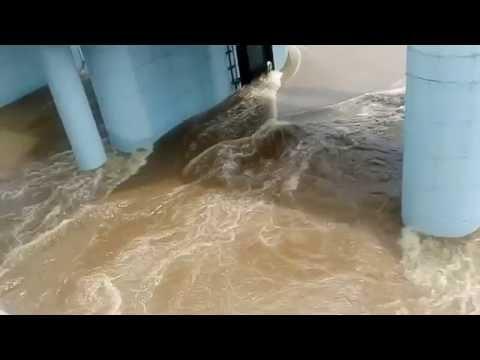 Pune City | Mula Mutha River Full  | ( पुणे शहर आणि मुळा मुठा नदी दुथडी भरून वाहू लागली )2016