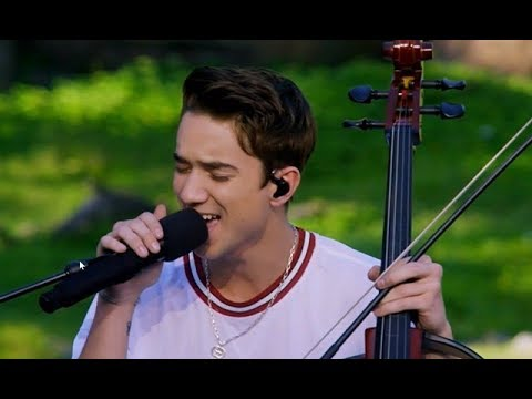 Why Don't We - Kiss You This Christmas - Disney Christmas Parade - YouTube