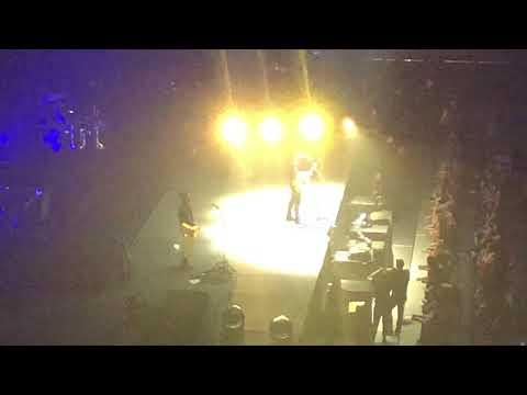 SHAWN MENDES CONCERT 2017 - BRISBANE AUSTRALIA LIVE
