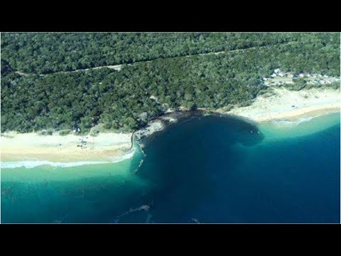 An Enormous Sinkhole Opened Up In Australia And Sucked In An Entire Beach