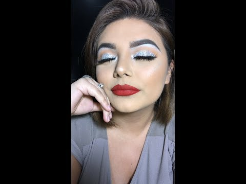 How to: Simple Holiday Look  Leslie Garza