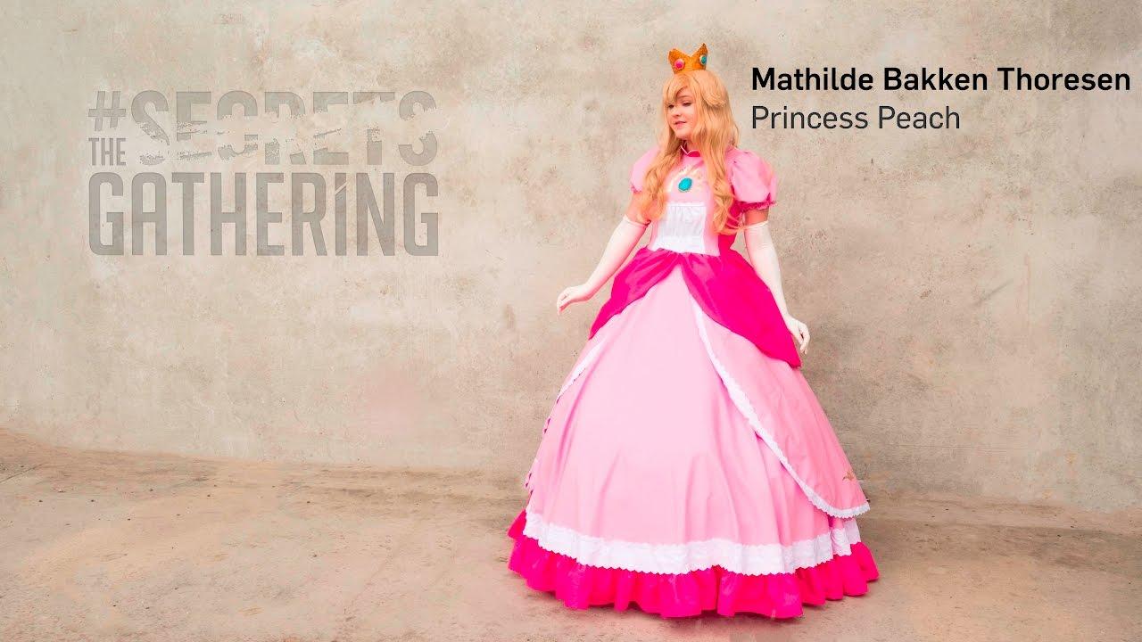 Best princess peach cosplay