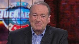 2017-10-17-14-59.Huckabee-Clinton-being-an-extraordinary-distraction-to-Dems