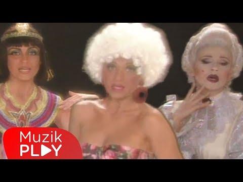 Ayşegül Aldinç - Hoppa Hoppa (Official Video)