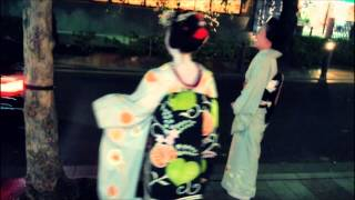 「生きていると言ってみろ」は、京都の道ばたで歌わせて頂いております...