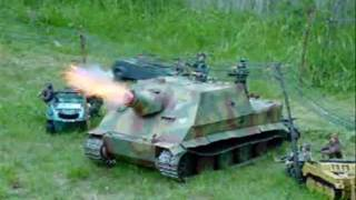 1/6th scale Sturmtiger launching a rocket.