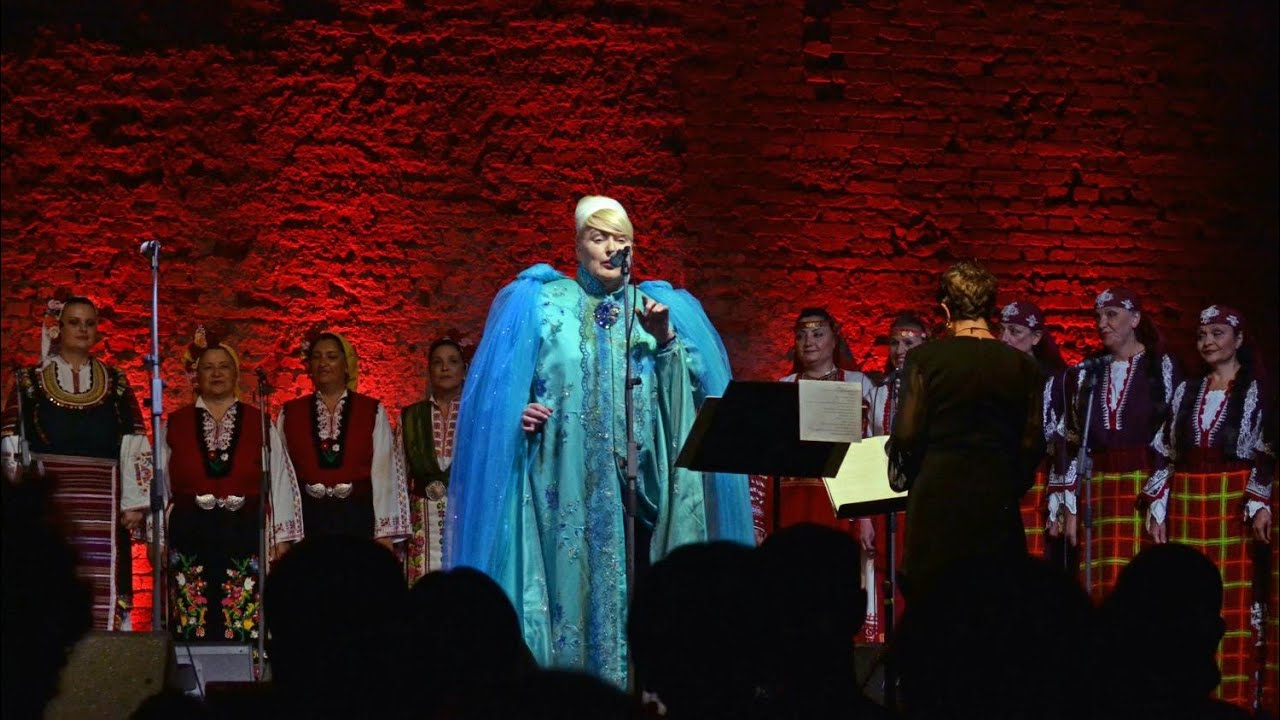 Lisa Gerrard Now We Are Free Live In Zagreb Lisa Gerrard And Mistery Of Bulgarian Voices Youtube