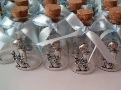 Recuerdos para primera comunion botellas con dije ni o for Recuerdos para bautizo nino