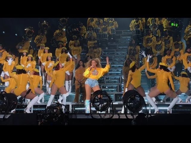 beyonce-intro-crazy-in-love-freedom-lift-every-voice-and-sing-formation-coachella-weekend-1-maverick