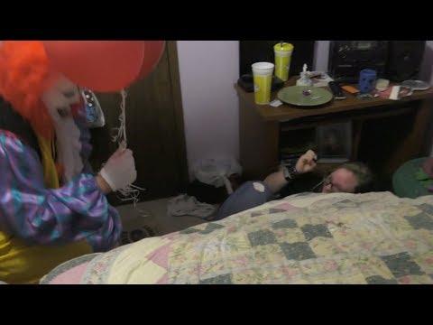 HURTS Donut Company Food Reviewиз YouTube · Длительность: 8 мин22 с