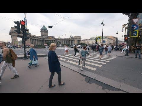 Walking by Nevsky Prospect, Saint Petersburg