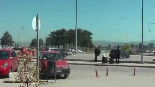 ГРЕЦИЯ: Покупаем билет на автобус в аэропорту Салоники... THESSALONIKI GREECE(Смотрите всё путешествие на моем блоге http://anzor.tv/ Мои видео путешествия по миру http://anzortv.com/ Форум Свободных..., 2012-05-05T16:59:04.000Z)
