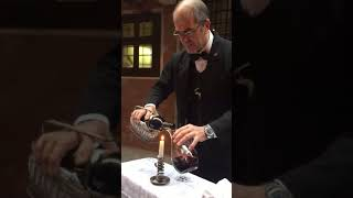 How to open a bottle wine