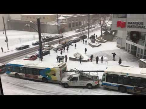 Bus Bonspiel: Jennifer Jones narrates Montreal's car curling