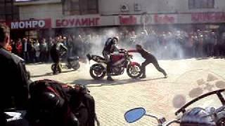 Жгём резину!Байк шоу (Омск май 2010)
