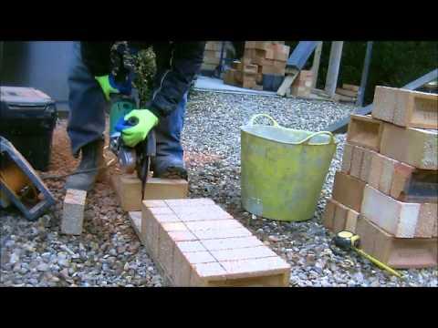 the fine art of brickwork - Cutting Bricks