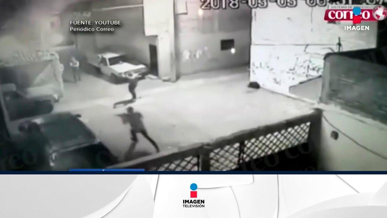 Camara de seguridad graba una mujer masturbandose - 3 7
