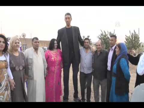 Dünyanın en uzun adamı evleniyor