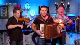 Exclusive: Nathan Carter performs