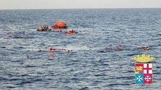 البحرية الإيطالية تنقذ عشرات المهاجرين اثر مأساة غرق جديدة