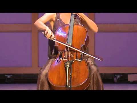 Chloé Dominguez, violoncelliste