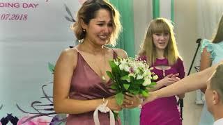 Свидетель сделал предложение свидетельнице прямо на свадьбе