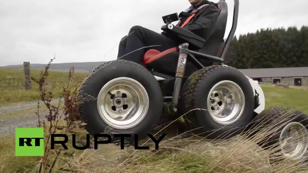 Un brit nico dise a una 39 silla de ruedas todoterreno 39 youtube - Ruedas para sillas de ruedas ...
