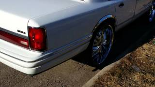 Lincoln Towncar on 26s