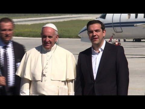 Grèce: le pape auprès des migrants à Lesbos