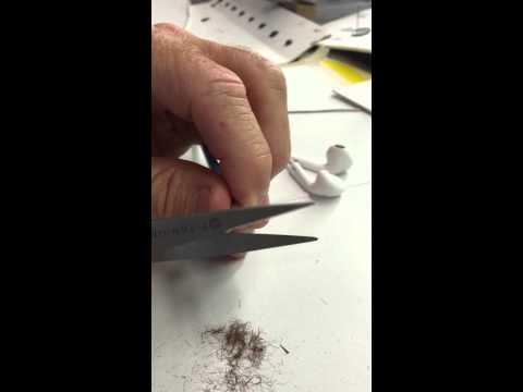 Cleaning Apple Earpods