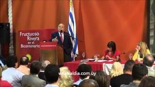 Dr. Julio María Sanguinetti en la Convención Nacional del Partido Colorado