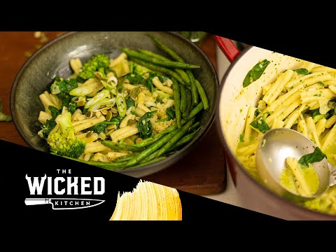 Creamy Vegan Pesto Pasta with Green Beans Meal Prep | The Wicked Kitchen