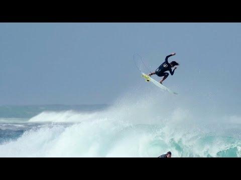 Yago Dora Hawaii | Surfing