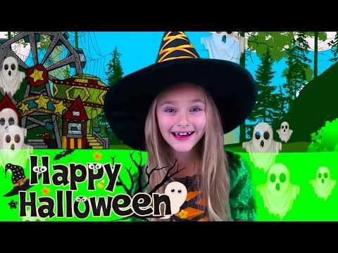 Sasha Pretend Play Halloween Trick or Treat Candy Park