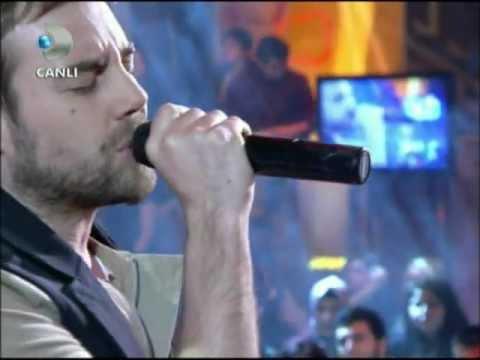 Murat Dalkılıç  & Lale Devri ( Yalan Dünya ) Beyaz Show  27.1.2012