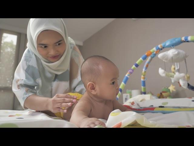 Pijat bayi dengan Transpulmin
