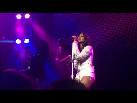 Love Should've Brought You Home - Toni Braxton (Hamer Hall, Melbourne 11/09/15)