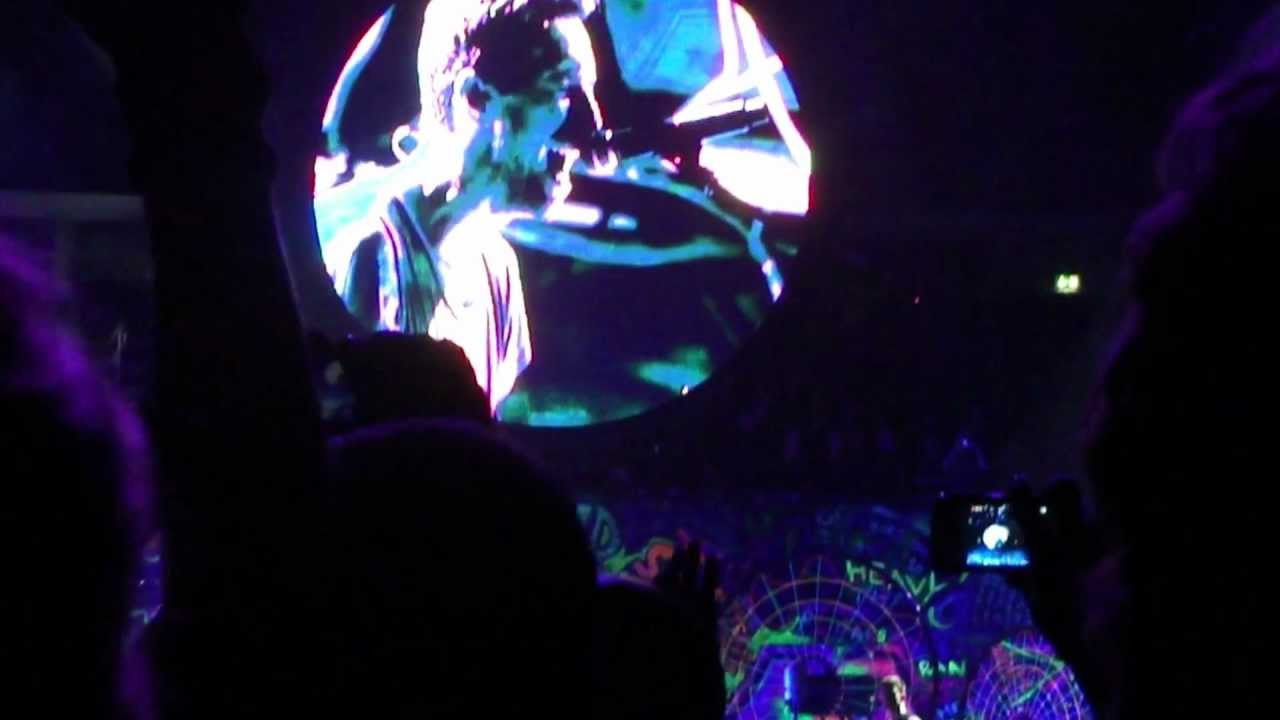Download Coldplay - Paradise (Live in Berlin - O2 World, 21 Dec 2011)