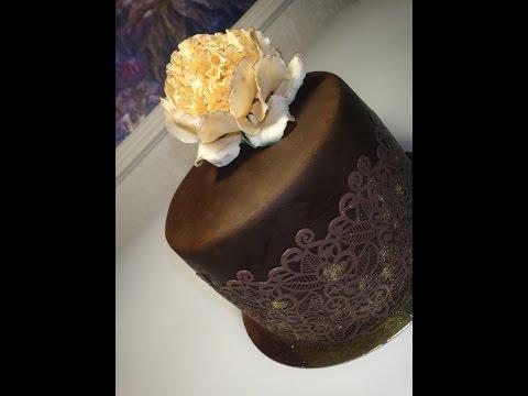 Вкуснейший муссовый торт в мастике. Малиновая, клубничная прослойки и сырный мусс с шампанским.