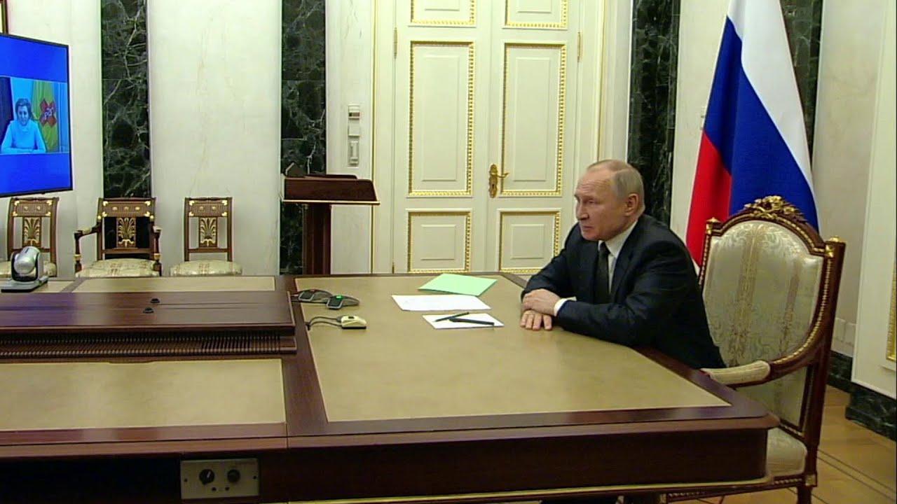 Владимир Путин подписал указ об объявлении выходными рабочих дней между майскими праздниками.