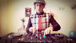 SuperStereo - Livingroom Live set vol. 4 [Year mix 2016]