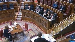 Diputado abronca a Rajoy por hablar por teléfono en el Congreso y le apagan el micrófono