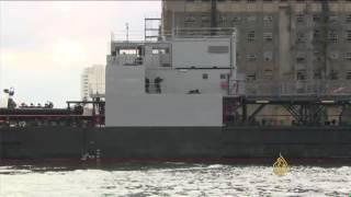 فيديو.. انتقادات للحكومة البريطانية لتنظيمها معرض أسلحة