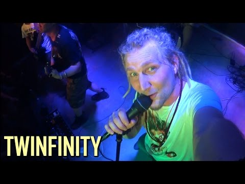 BARQUE OF DANTE - TWINFINITY (Official Video) 但丁之舟