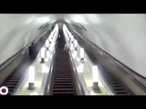 People Doing Dumb Stuff On Escalators
