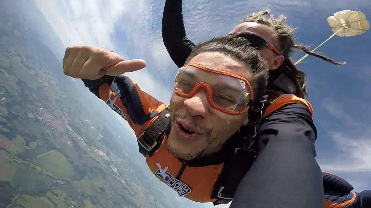 Salto de Paraquedas do Cristiano na Queda Livre Paraquedismo 28 01 2017
