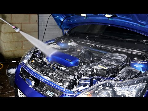 *FILTHY* Focus RS 'Fruitful' Engine Bay Detail!