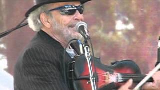 "Merle Haggard and Kris Kristofferson playing ""Take Me Back To Tulsa"""