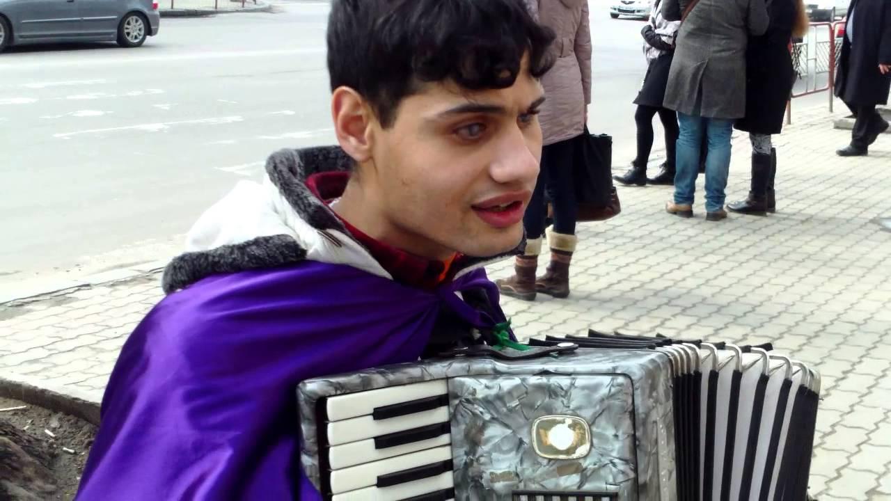 Oleg Adrian Vlad cîntă și predică răbdarea